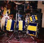 Eddie Edwards - The Vibrators. Yellow / Blue kit.